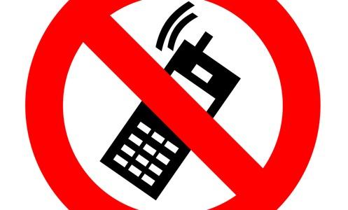 Aprovado projeto que obriga bloqueadores de celular em presídios