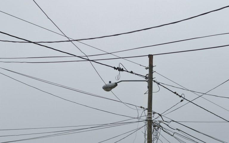 Anatel e Aneel trabalham em compartilhamento de postes também para antenas 5G