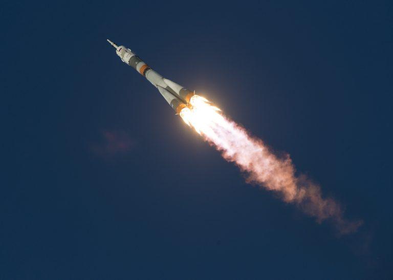 Primeiros satélites da constelação OneWeb são colocados em órbita pela Arianespace