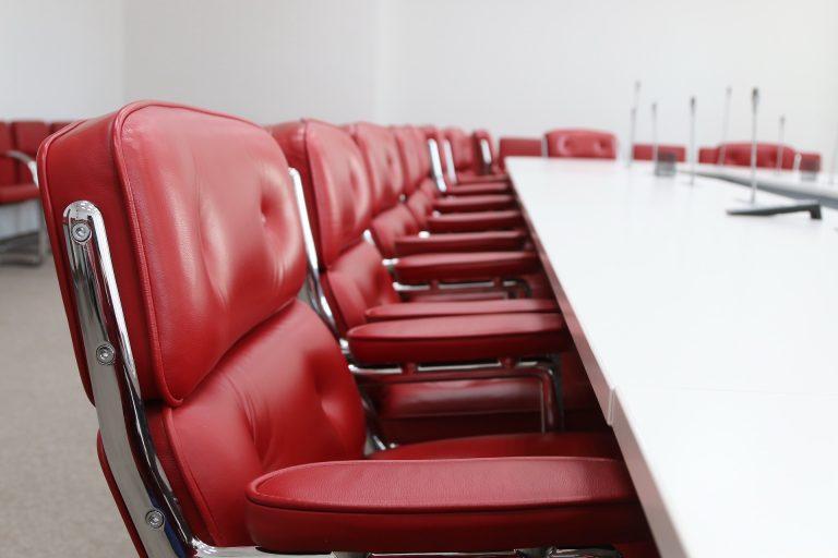 Anatel cria Comissão Especial de Licitação para leilão de 5G