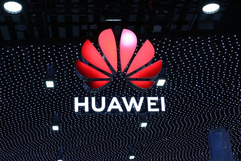 Em reviravolta, Reino Unido pode excluir Huawei de redes 5G