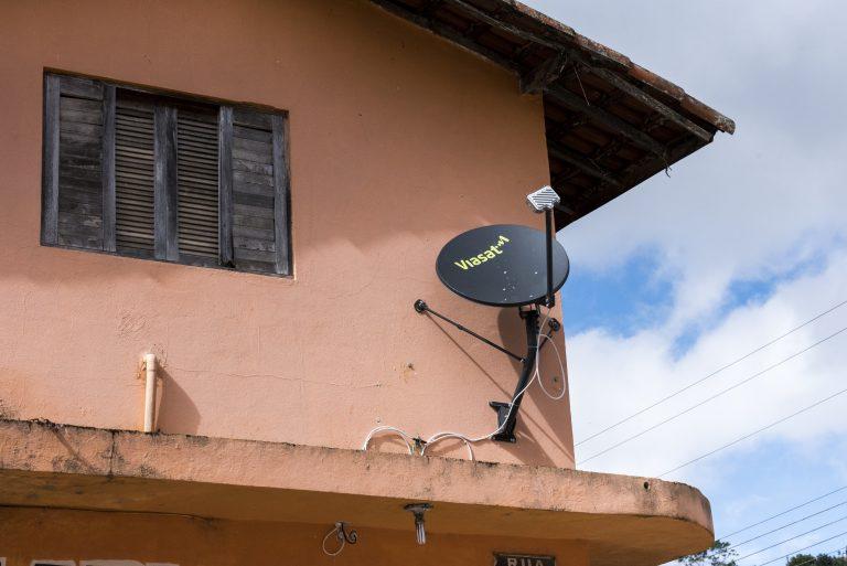 Viasat inicia testes do Wi-Fi comunitário no Brasil