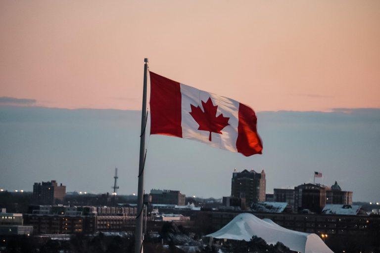 Canadá investe e reserva capacidade de satélites LEO da Telesat