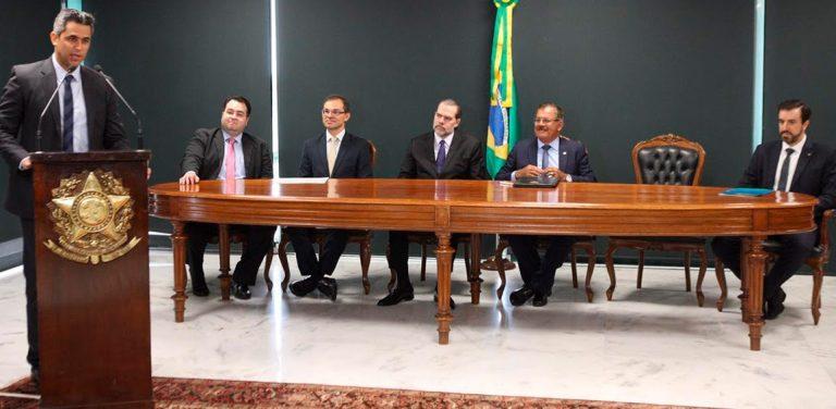 Anatel assina termo com CNJ e Senacon para resoluções de controvérsias