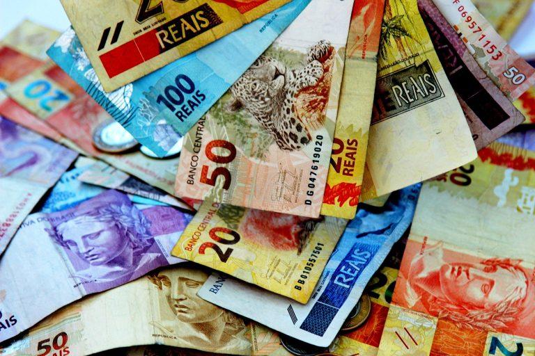 Operadoras financiarão e a EAF executará a rede privativa do governo