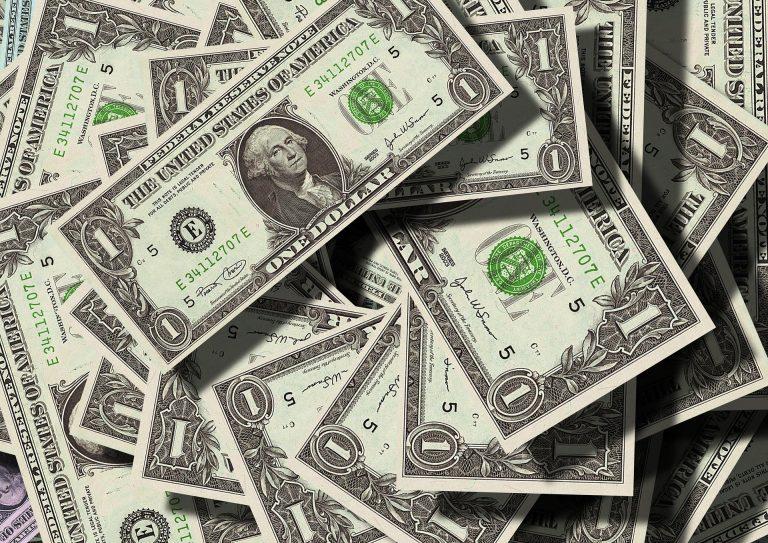 Desvalorização do real frente o dólar preocupa operadoras competitivas