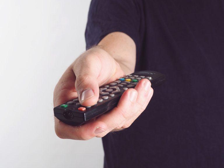 TV paga tem queda de 5,6% em 2020