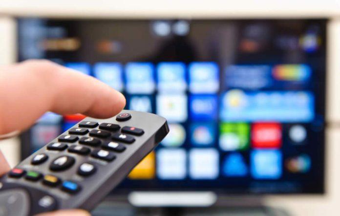 TV e computador crescem como meios de acesso à Internet durante a pandemia