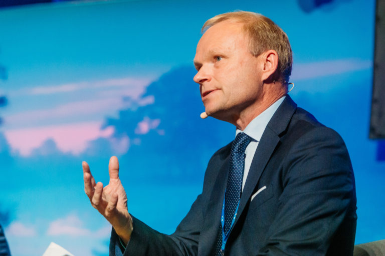 Após reestruturação operacional, Nokia triplica lucro no segundo trimestre