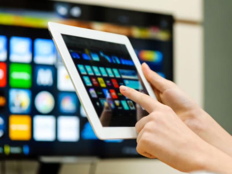 Competição com OTTs exigiu novas estratégias das operadoras de TV paga