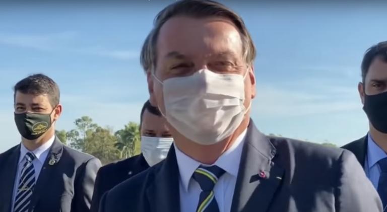 Bolsonaro cogita vetar PL das Fake News