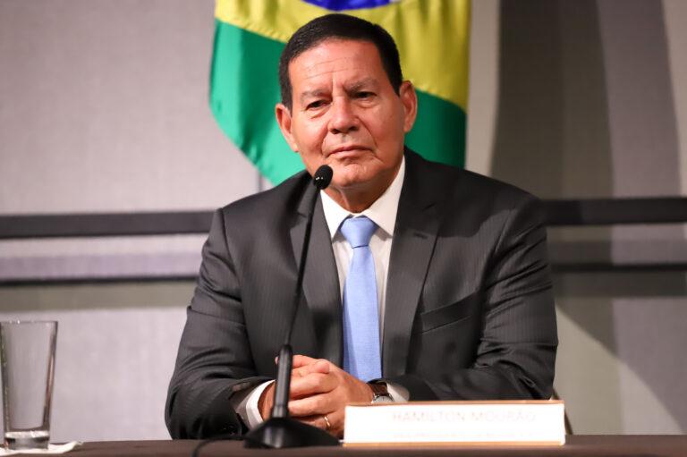 Mourão diz não temer EUA com presença da Huawei no 5G do Brasil