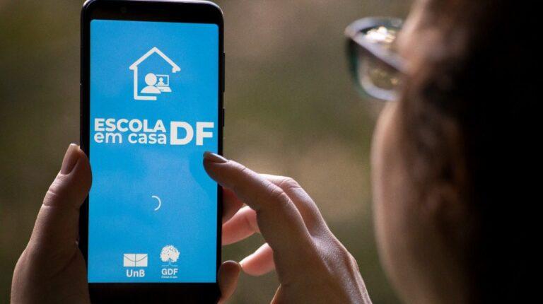 DF fecha parceria com Claro e TIM para bancar franquia de dados para estudantes