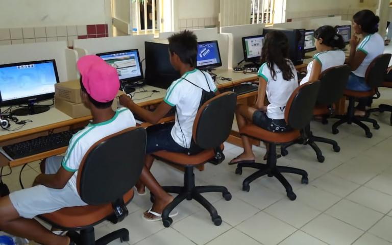Agora é Lei: Fust será usado para conectar escolas públicas até 2024