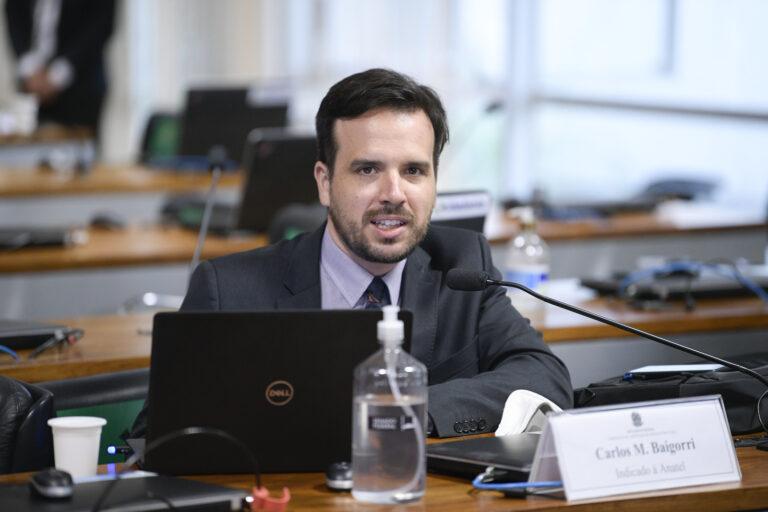 Carlos Baigorri é oficializado conselheiro da Anatel