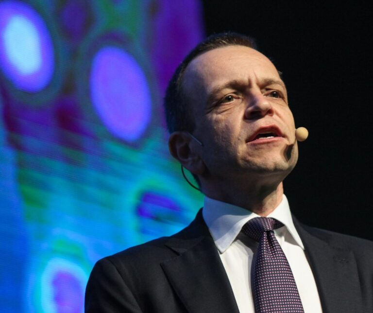 Velocidade é chave na briga do mercado de fibra, diz presidente da Oi