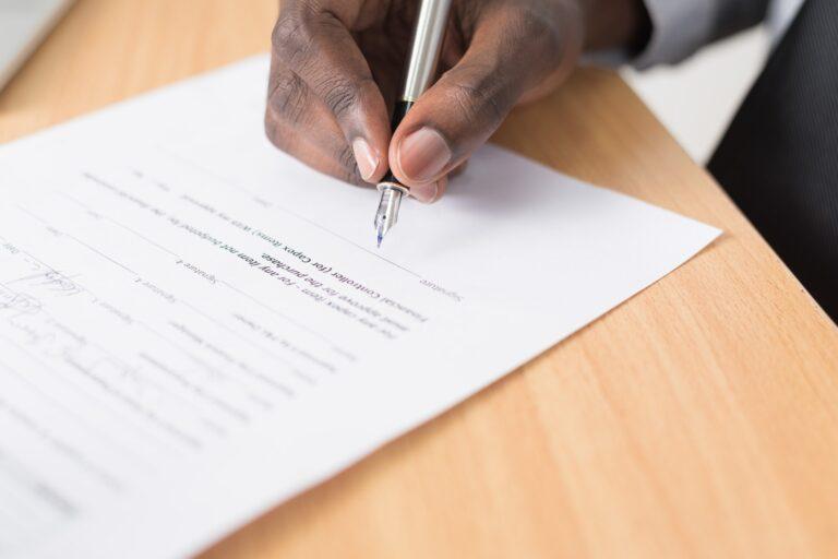 Contratação de serviços por telefone ou digital não precisa de assinatura, defende Abrint