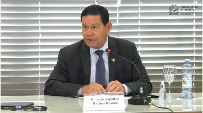 Quem respeitar soberania e privacidade pode fornecer para 5G, diz Mourão