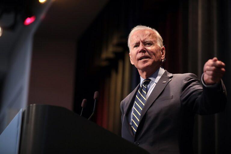 Gestão Biden mantém Huawei como ameaça à segurança dos EUA