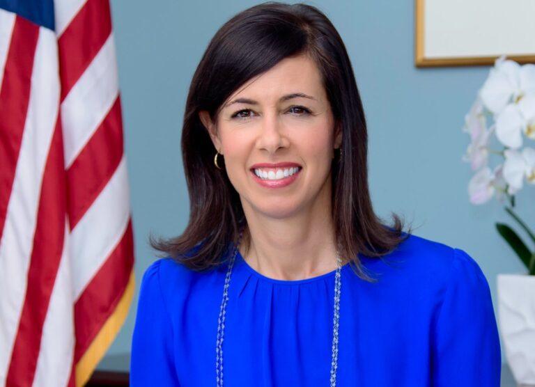 Biden nomeia Jessica Rosenworcel como presidente interina da FCC