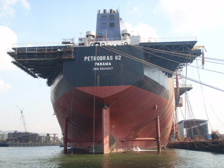 Telebras renova contrato de cessão de fibra óptica com Petrobras e Eletrobras