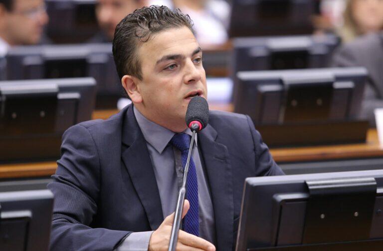 Presidente da CCTCI propõe que edital do 5G garanta Internet em universidades e hospitais