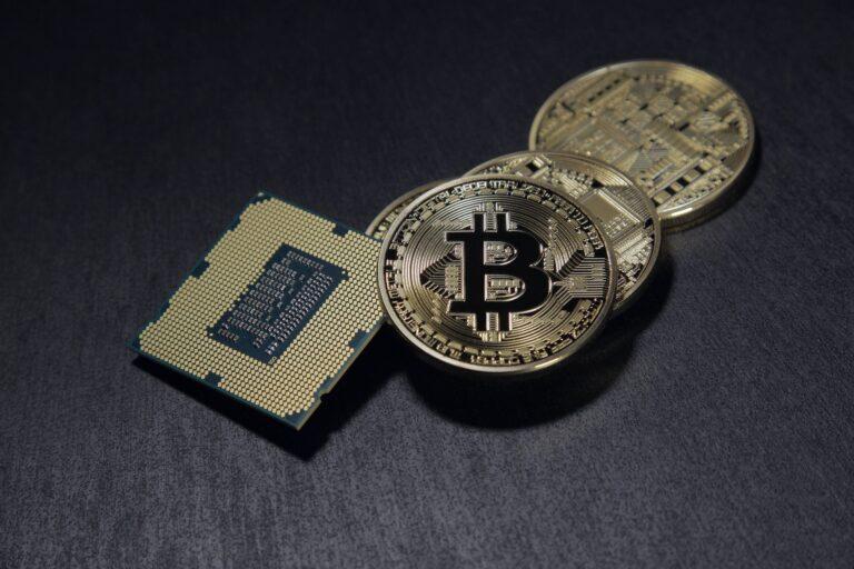 Enquanto governos travam corrida pela moeda digital, as criptomoedas avançam em circulação